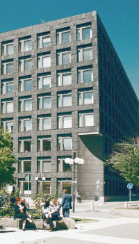 huset_hoger_Sveriges Riksbank200x351.jpg