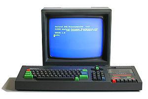 De Amstrad CPC 464 met CTM 640 monochroombeeldscherm
