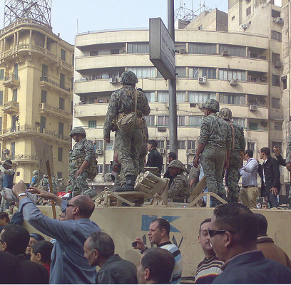 408x400Army_Truck_and_Soldiers_in_Tahrir_Square_Cairo201102.jpg